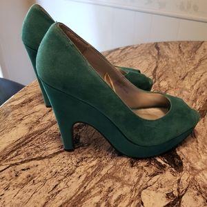 Torrid teal faux suede heels size 9